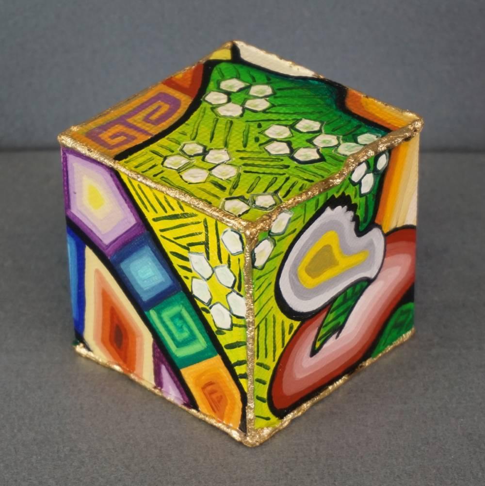 DISTESA SUL PRATO - cubo 8 cm x 8 cm x h 8 cm - olio su tela - anno 2014 - 4° immagine